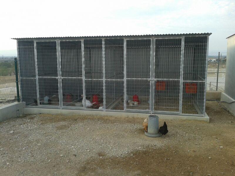 Hornos de le a y barbacoas manuel camacho jaulas boxes for Casetas metalicas ofertas